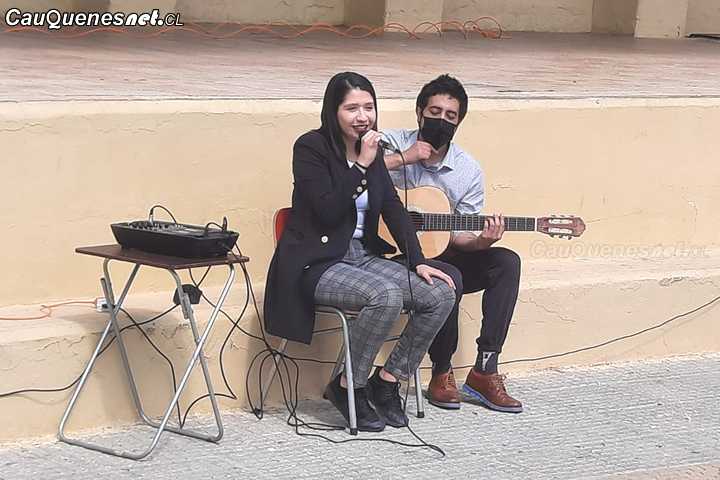 #Cauquenes: Consuelo Veloso sorprendió cantando su jingle de campaña